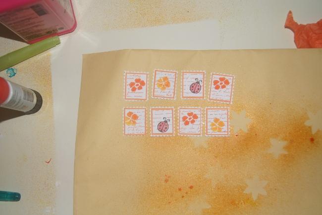 faux timbres oranges
