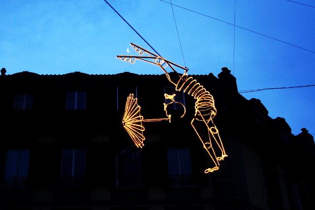 02Les-Funambules1_Rue-du-Petit-Chêne_Festival-Lausanne-lumières_Bourgeon-créatif