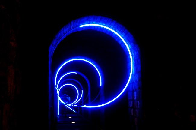 04Les-5R_Arches-du-Grand-Pont_Festival-Lausanne-lumières_Bourgeon-créatif