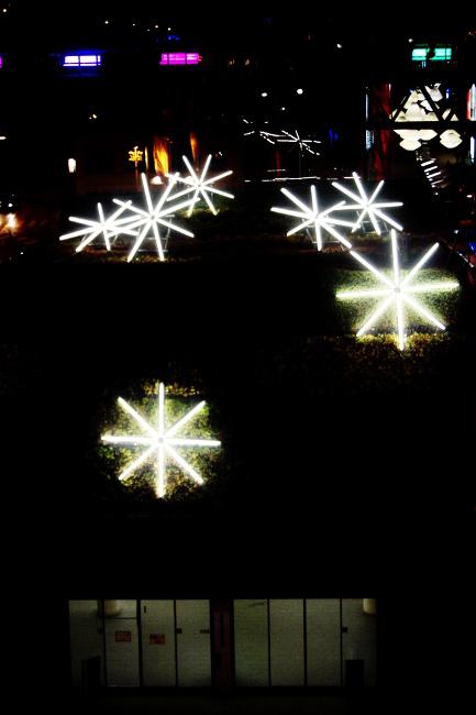 06Skyfall_Sortie-Métro-Flon_Festival-Lausanne-lumières_Bourgeon-créatif